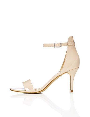 FIND Sandalen mit Lackleder und Knöchelriemchen, Beige